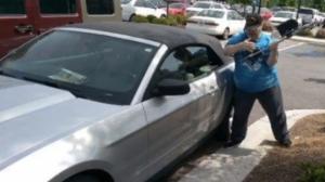 Georgia Army Veteran breaks car window to save dog