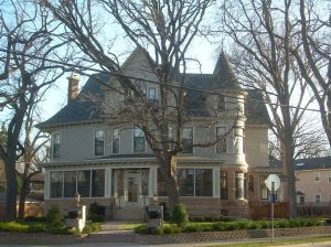Kenwood Parkway House