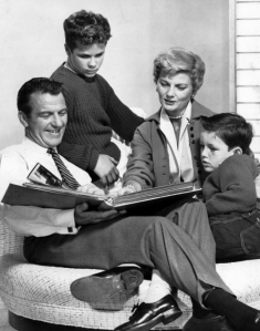 """Cleaver family Leave it to Beaver 1960"" by ABC Television - Licensed under Public Domain via Commons"