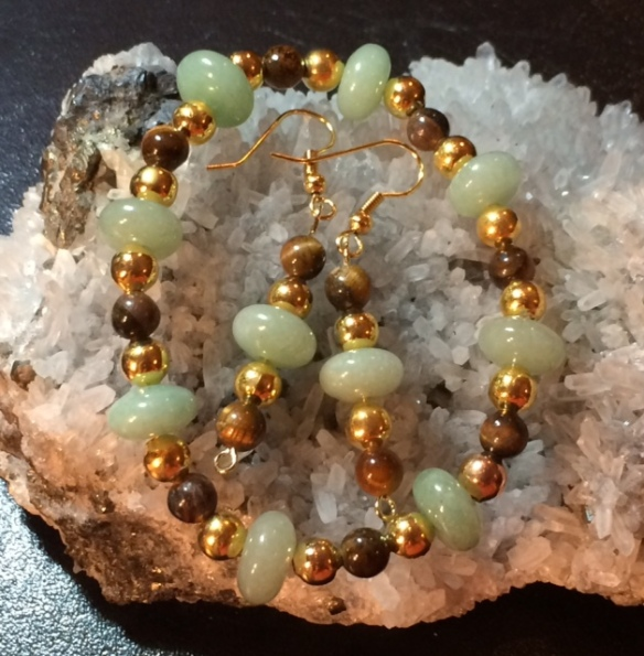 Green Aventurine and Tiger's Eye stretch bracelet and earrings set