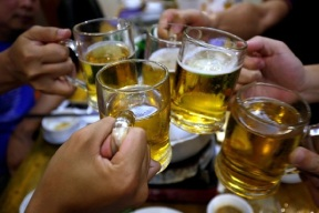 beer toast-reuters